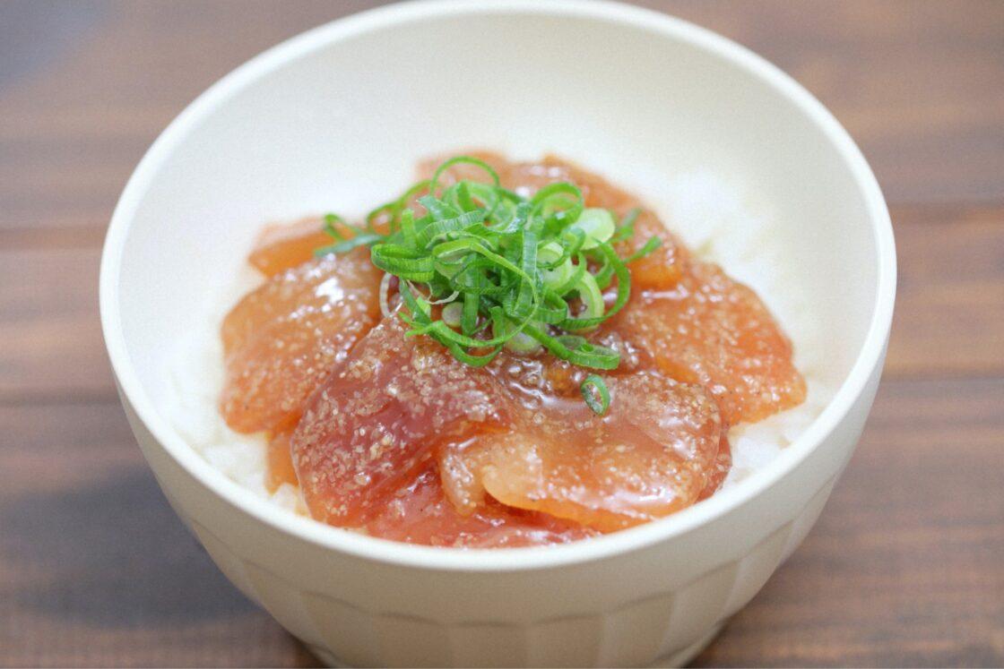 「ひゅうが丼」は、津久見を代表する郷土料理の1つになっています