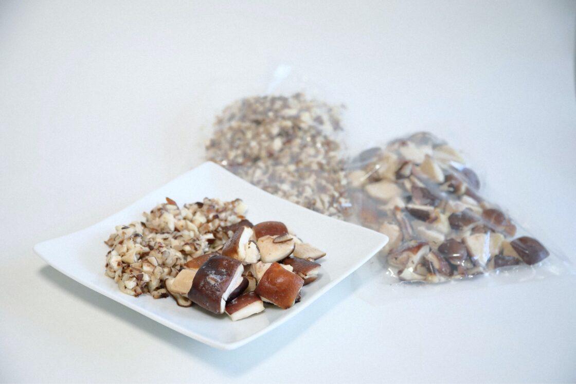 中華料理や鍋物にも重宝する3cmのダイスカットと、チャーハン・餃子やオムレツなどに使いやすい5mmのダイスカット