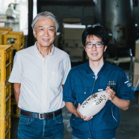 代表取締役 二反田新一さん(写真左)、◯◯さん(写真右)