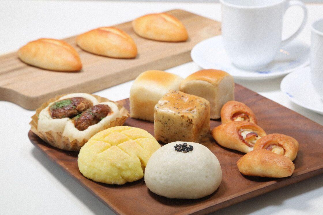 グルテンを使った米粉は市内のパンカフェに依頼。給食用にも多くの米粉を出荷